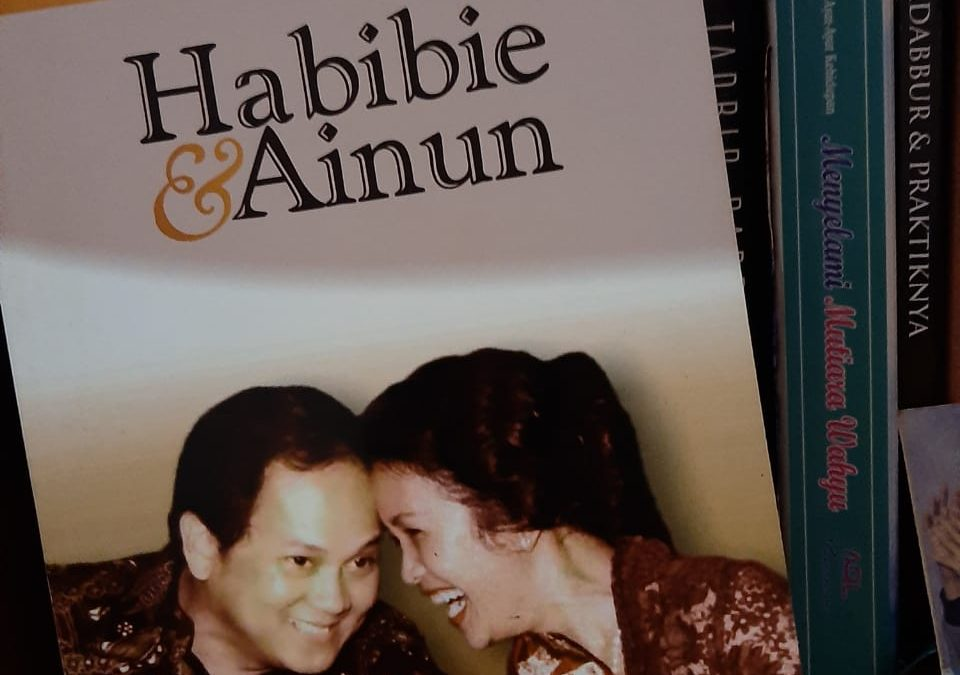 Habibie & Ainun oleh Bacharuddin Jusuf Habibie